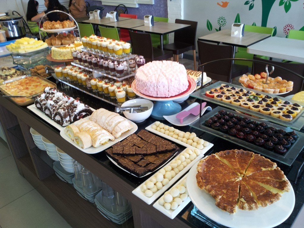 How To Score Delicious But Affordable Desserts In Qc