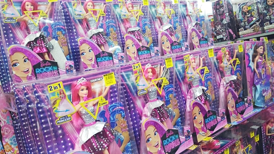 Barbie dolls less than P1,000