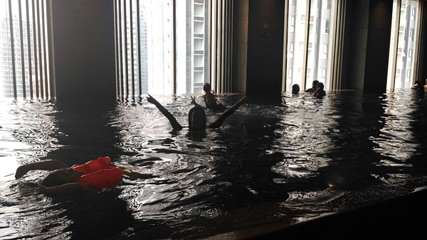 Marco Polo Hotel indoor pool