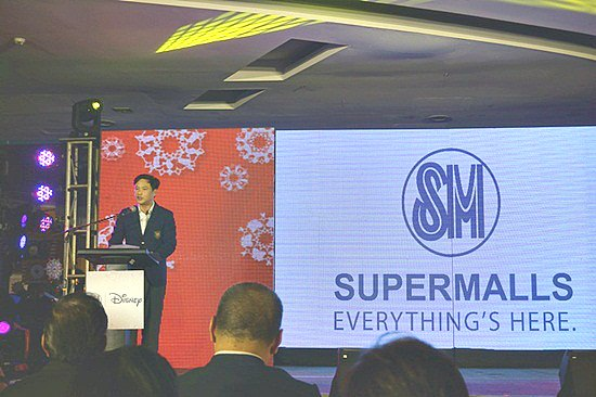 SM SVP for Operations Steven Tan welcomed everyone and talked about SM and Disney partnership in spreading love this Christmas.