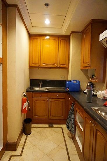 Richmonde Hotel Ortigas 2 Bedroom Suite - kitchen