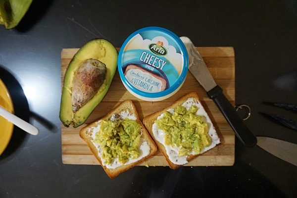 Creamy Garlic and Butter Avocado Toasts