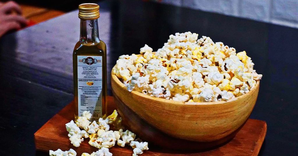 I drizzled some truffle oil on our popcorn and as soon as the oil touched the popcorn, I smelled the aroma and I thought I was transported to Italy.